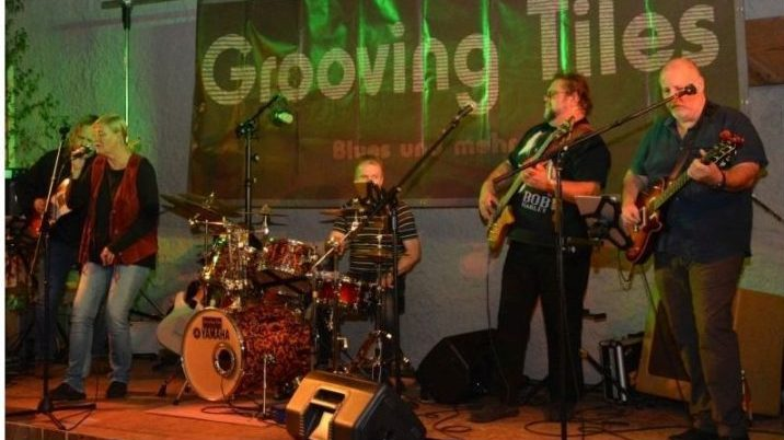 The Grooving Tiles